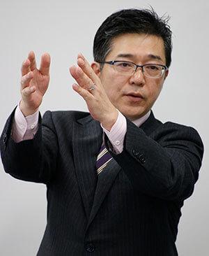 中村義裕氏